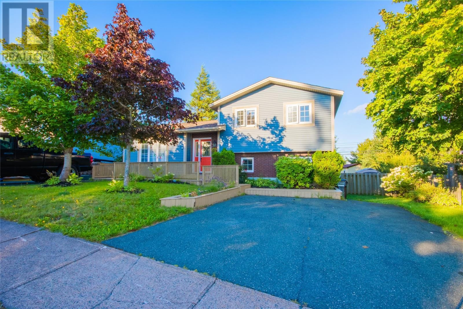 Main Photo: 5 Burling Crescent in St. John's: House for sale : MLS®# 1236597