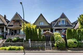 Photo 1: 1550 E 12TH Avenue in Vancouver: Grandview VE House for sale (Vancouver East)  : MLS®# R2179428
