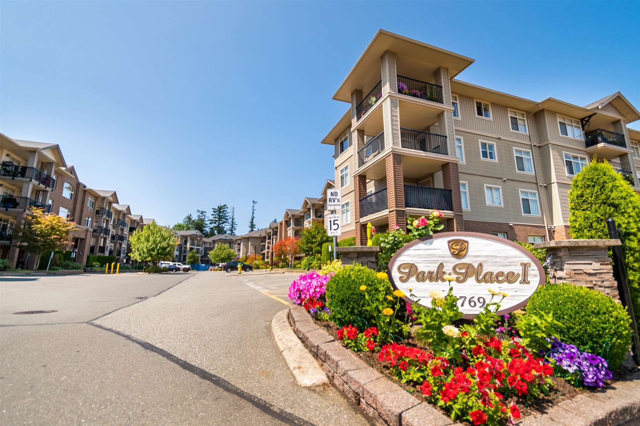 """Main Photo: 315 45769 STEVENSON Road in Chilliwack: Sardis East Vedder Rd Condo for sale in """"Park Place I"""" (Sardis)  : MLS®# R2602356"""