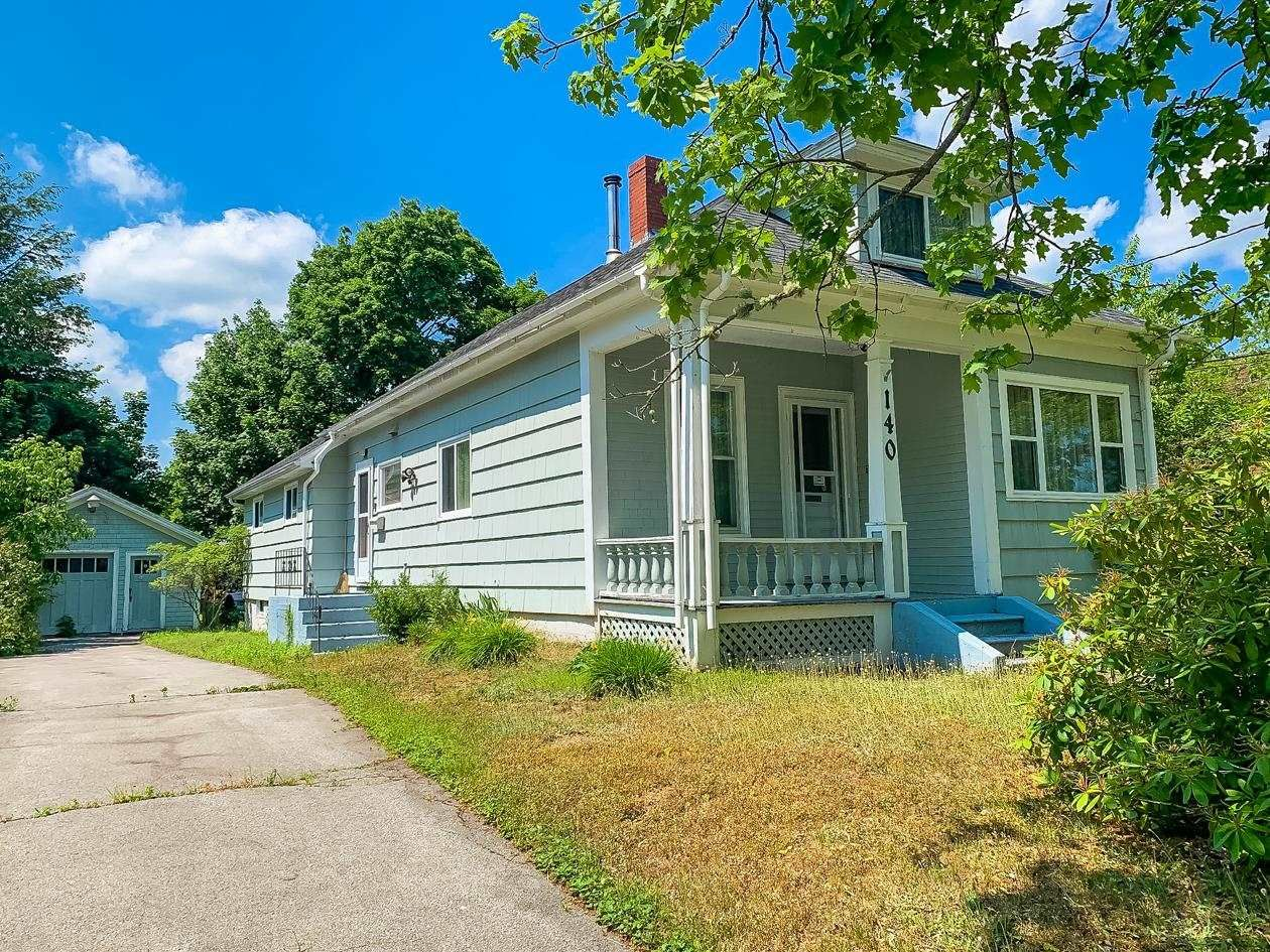 Main Photo: 140 Empire Street in Bridgewater: 405-Lunenburg County Residential for sale (South Shore)  : MLS®# 202116680