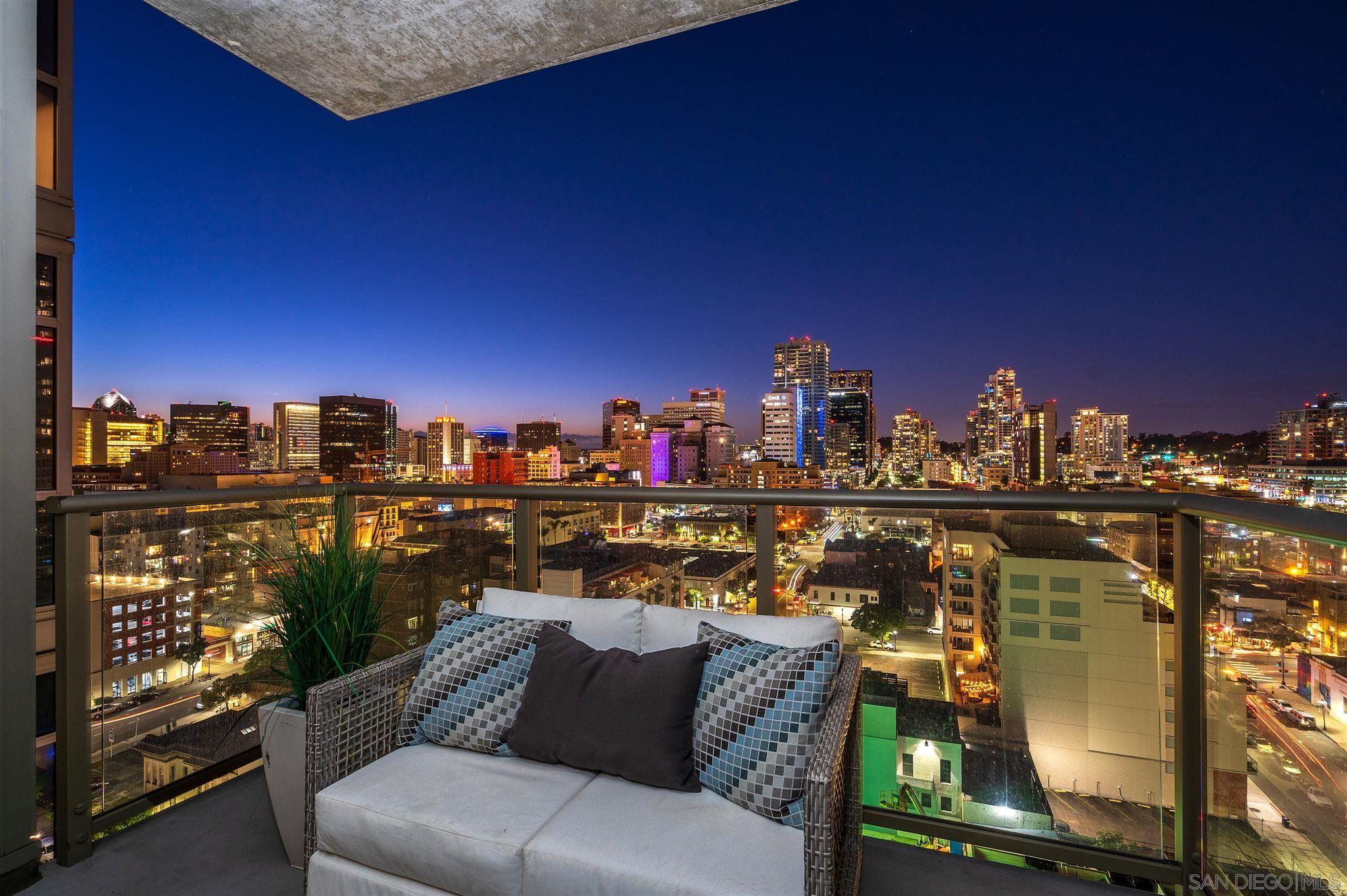 Main Photo: DOWNTOWN Condo for sale : 1 bedrooms : 800 The Mark Ln #1602 in San Diego