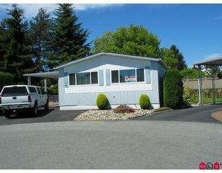 """Photo 1: 99 15875 20TH Avenue in Surrey: King George Corridor Manufactured Home for sale in """"Searidge Bays"""" (South Surrey White Rock)  : MLS®# F2820551"""