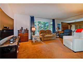 Photo 3: 545 RUNDLEVILLE Place NE in Calgary: Rundle House for sale : MLS®# C4079787