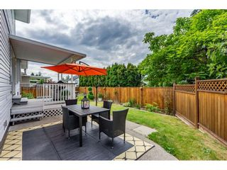"""Photo 3: 6495 180 Street in Surrey: Cloverdale BC House for sale in """"Orchard Ridge"""" (Cloverdale)  : MLS®# R2396953"""