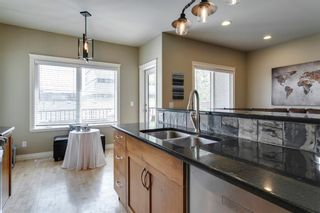 Photo 12: 1633 17 Avenue NW in Calgary: Capitol Hill Semi Detached for sale : MLS®# A1143321