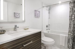 """Photo 13: 903 238 ALVIN NAROD Mews in Vancouver: Yaletown Condo for sale in """"Pacific Plaza"""" (Vancouver West)  : MLS®# R2345160"""