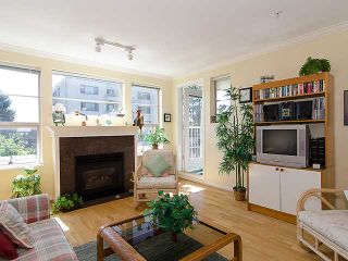 """Photo 3: 308 2490 W 2ND Avenue in Vancouver: Kitsilano Condo for sale in """"TRINITY PLACE"""" (Vancouver West)  : MLS®# V966955"""