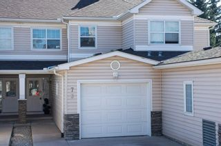 Photo 2: 73 2318 17 Street SE in Calgary: Inglewood Row/Townhouse for sale : MLS®# A1098159