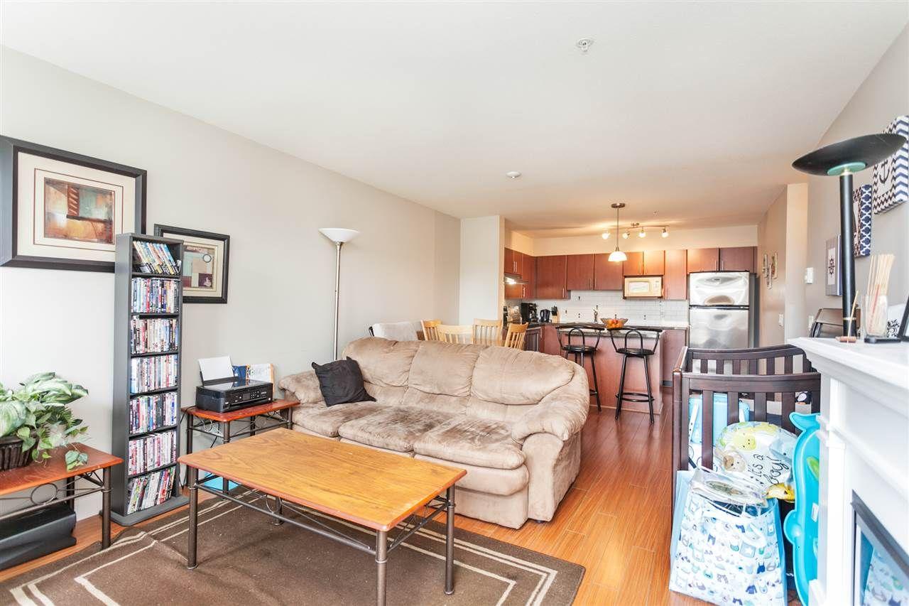 "Photo 7: Photos: 108 12075 228 Street in Maple Ridge: East Central Condo for sale in ""RIO"" : MLS®# R2165368"