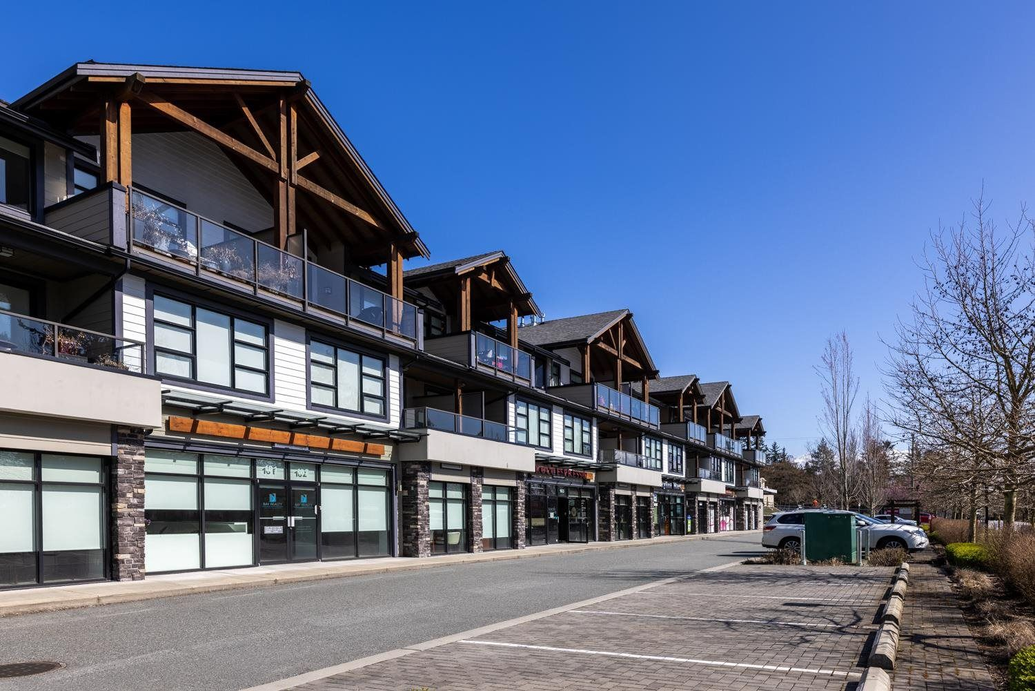 """Main Photo: 103 13585 16 Avenue in Surrey: Crescent Bch Ocean Pk. Retail for sale in """"BAYVIEW TERRACE"""" (South Surrey White Rock)  : MLS®# C8039337"""