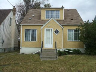 Photo 1: 399 Deschambault Street in WINNIPEG: St Boniface Residential for sale (South East Winnipeg)  : MLS®# 1221335