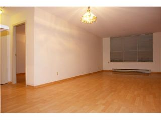 """Photo 3: 250 8300 General Currie in Richmond: Brighouse South Townhouse for sale in """"Carmelia Garden"""" : MLS®# V969184"""