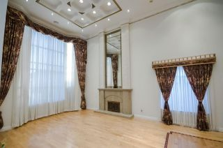 """Photo 4: 7851 SUNNYHOLME Crescent in Richmond: Broadmoor House for sale in """"SUNNYMEDE"""" : MLS®# R2158185"""