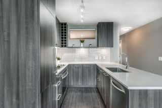 """Photo 6: 907 668 COLUMBIA Street in New Westminster: Quay Condo for sale in """"TRAPP + HOLBROOK"""" : MLS®# R2512551"""