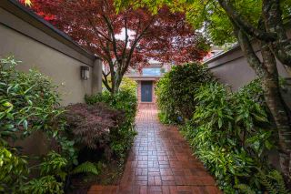 """Photo 5: 3281 POINT GREY Road in Vancouver: Kitsilano House for sale in """"ARTHUR ERIKSON"""" (Vancouver West)  : MLS®# R2580365"""