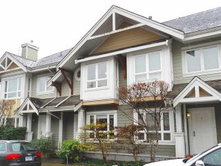 """Photo 1: 4 915 TOBRUCK Avenue in North Vancouver: Hamilton Townhouse for sale in """"CLEARWATER"""" : MLS®# R2131517"""
