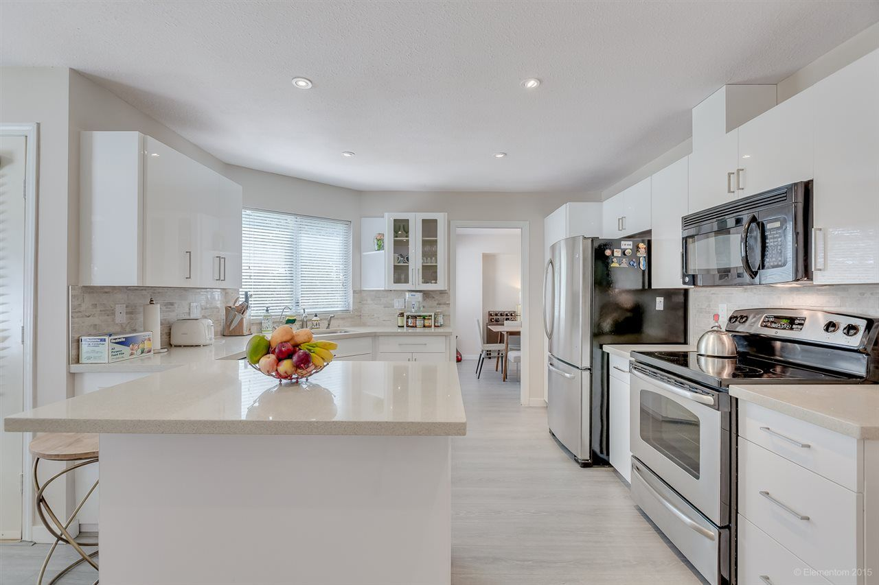 Photo 8: Photos: 10440 GLENMOOR Place in Surrey: Fraser Heights House for sale (North Surrey)  : MLS®# R2163233