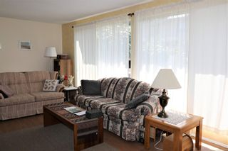 Photo 2: 15 1440 13th St in Courtenay: CV Courtenay City Row/Townhouse for sale (Comox Valley)  : MLS®# 885008