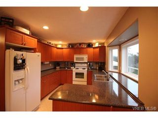 Photo 7: 612 McCallum Rd in VICTORIA: La Thetis Heights House for sale (Langford)  : MLS®# 690297
