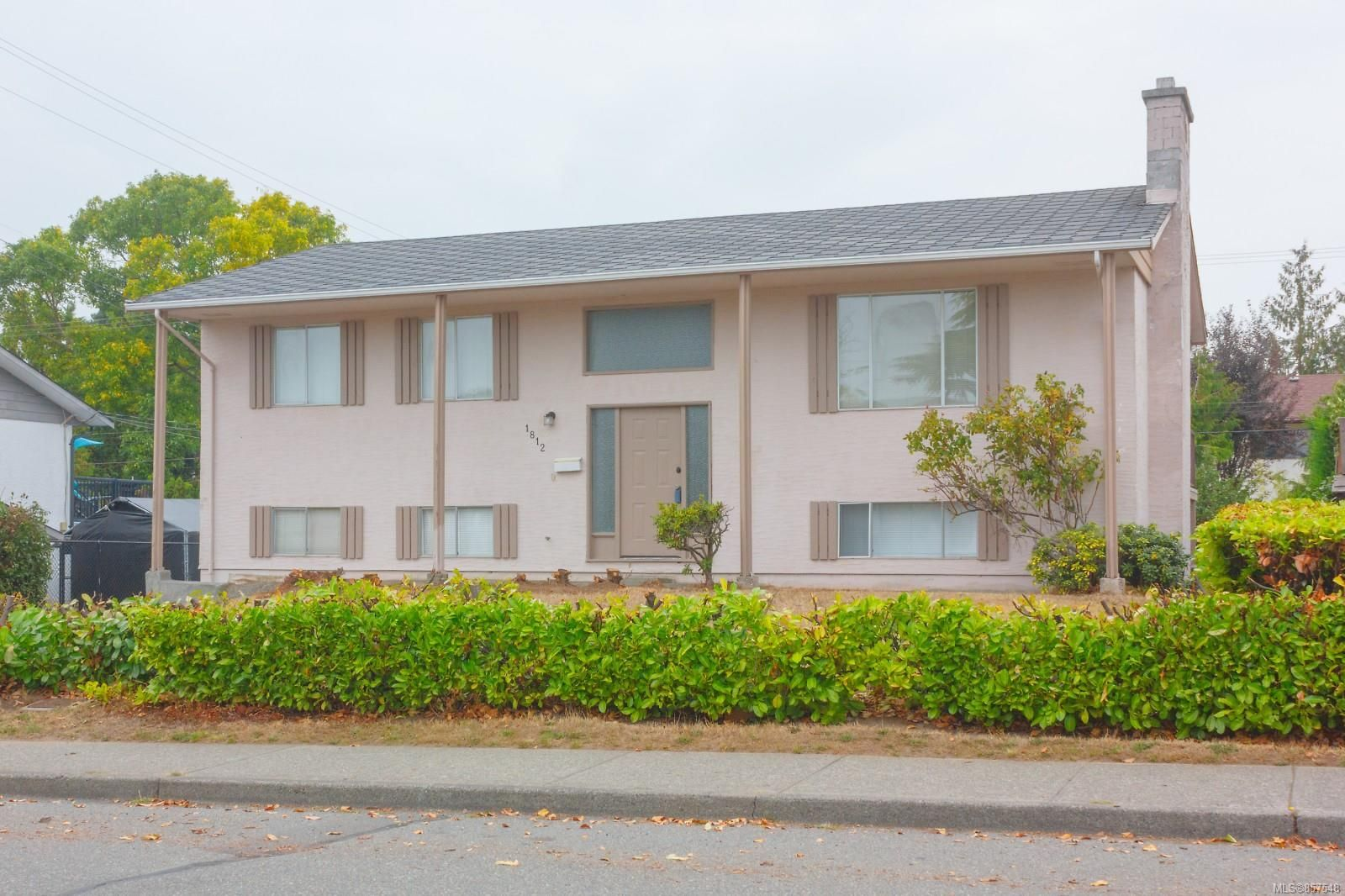 Main Photo: 1812 Laval Ave in : SE Gordon Head House for sale (Saanich East)  : MLS®# 857548
