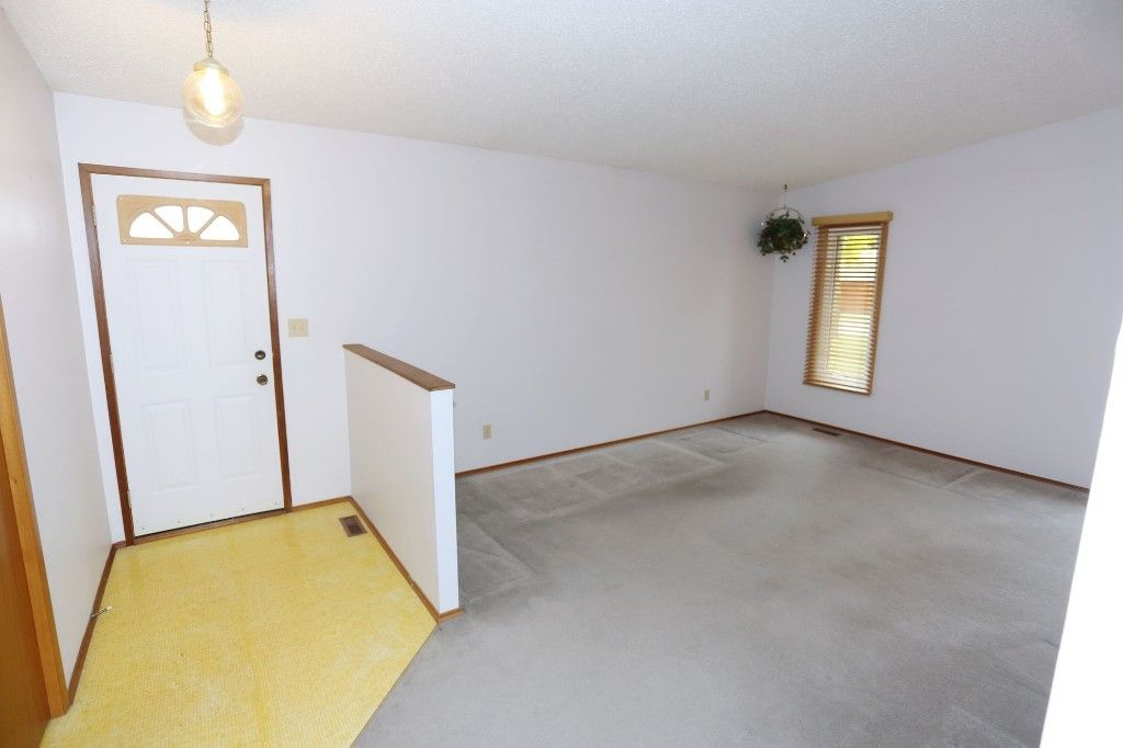 Photo 5: Photos: 68 Timberwood Trail in Winnipeg: Riverbend Single Family Detached for sale (4E)  : MLS®# 1725471