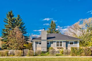 Main Photo: 304 12 Avenue NW in Calgary: Crescent Heights Detached for sale : MLS®# A1150856