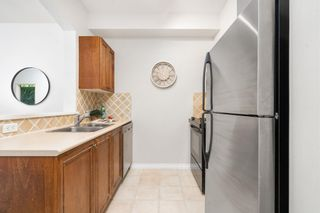 """Photo 9: 104 2175 SALAL Drive in Vancouver: Kitsilano Condo for sale in """"Sovana"""" (Vancouver West)  : MLS®# R2604772"""