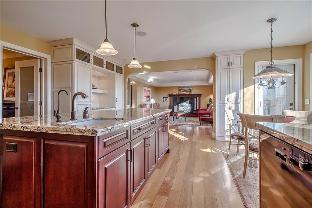 Photo 17: Photos: 153 SIGNATURE Close SW in Calgary: Signal Hill Detached for sale : MLS®# C4283177