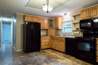 Photo 8: 1086 ROSAMUND Road in Gibsons: Gibsons & Area Manufactured Home for sale (Sunshine Coast)  : MLS®# R2576197