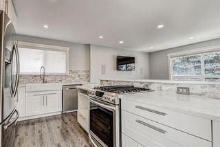 Photo 11: 324 WASCANA Crescent SE in Calgary: Willow Park Detached for sale : MLS®# C4296360