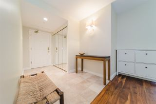 """Photo 2: 303 2288 W 40TH Avenue in Vancouver: Kerrisdale Condo for sale in """"Kerrisdale Park"""" (Vancouver West)  : MLS®# R2398261"""