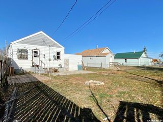 Photo 4: 319 Railway Avenue in Outlook: Residential for sale : MLS®# SK872424