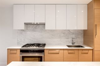 """Photo 7: 3671 W 11TH Avenue in Vancouver: Kitsilano Townhouse for sale in """"Elysian West"""" (Vancouver West)  : MLS®# R2557741"""