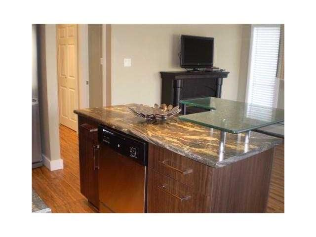 """Photo 10: Photos: 204 803 QUEENS Avenue in New Westminster: Uptown NW Condo for sale in """"SUNDAYLE MANOR"""" : MLS®# V874130"""