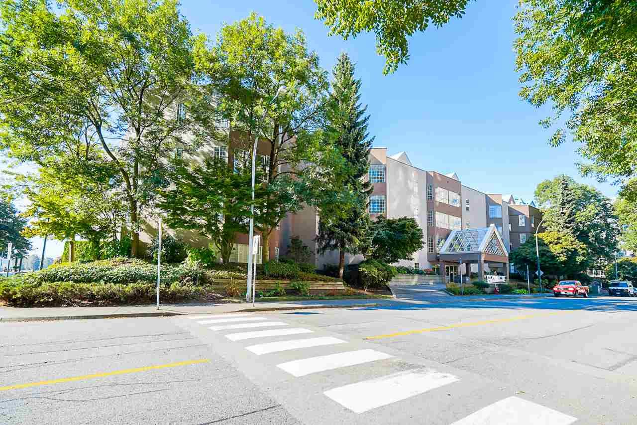 "Main Photo: 325 1150 QUAYSIDE Drive in New Westminster: Quay Condo for sale in ""The Westport"" : MLS®# R2535503"