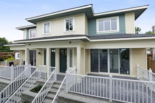 Photo 1: 2 214 W 6TH Street in North Vancouver: Lower Lonsdale 1/2 Duplex for sale : MLS®# R2359302