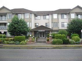 """Photo 1: 207 33401 MAYFAIR Avenue in Abbotsford: Central Abbotsford Condo for sale in """"MAYFAIR GARDENS"""" : MLS®# R2194662"""