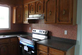 Photo 4: 14913 104 Avenue in Edmonton: Zone 21 House Half Duplex for sale : MLS®# E4262661