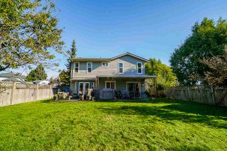 """Photo 4: 13040 62B Avenue in Surrey: Panorama Ridge House for sale in """"Panorama Park"""" : MLS®# R2512793"""