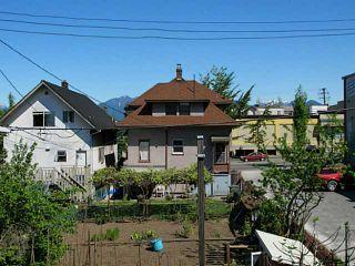 Photo 13: # 302 1623 E 2ND AV in Vancouver: Grandview VE Condo for sale (Vancouver East)  : MLS®# V1016969