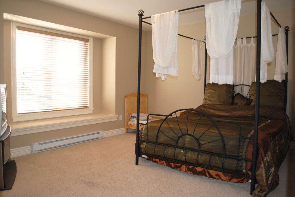 Main Photo: 7280 192 Street in Surrey: Clayton 1/2 Duplex for sale : MLS®# f1026964