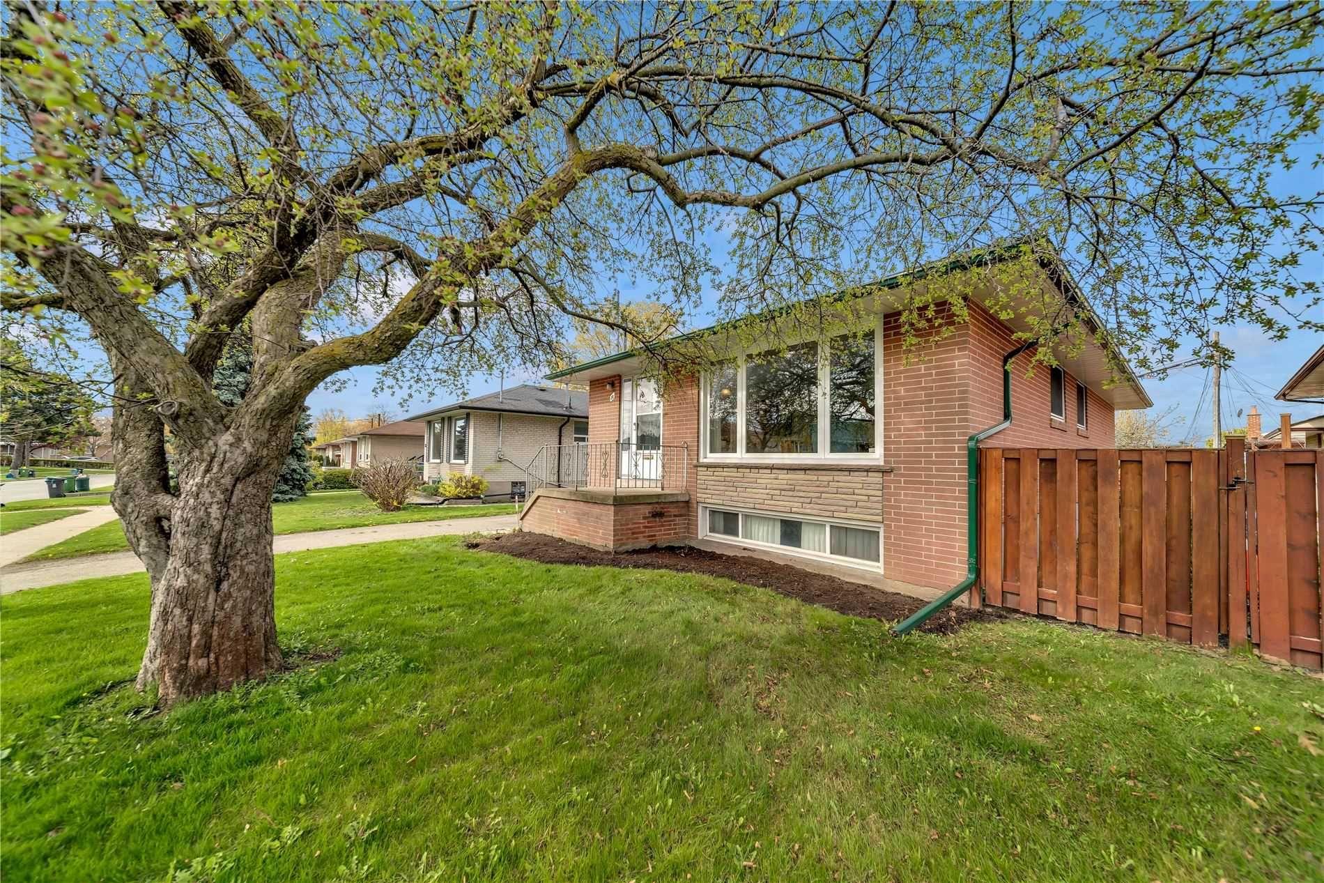 Main Photo: 28 Reno Drive in Toronto: Ionview House (Bungalow) for sale (Toronto E04)  : MLS®# E5226714