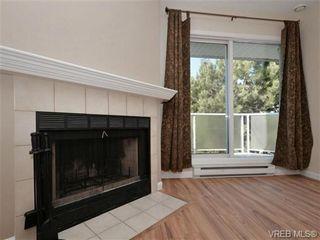 Photo 3: 404 2520 Wark St in VICTORIA: Vi Hillside Condo for sale (Victoria)  : MLS®# 692859
