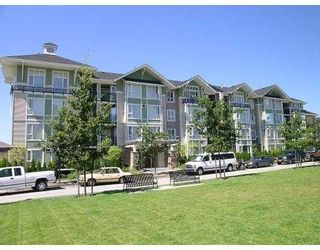 """Photo 1: 7089 MONT ROYAL Square in Vancouver: Champlain Heights Condo for sale in """"MONT ROYAL SQ"""" (Vancouver East)  : MLS®# V626504"""
