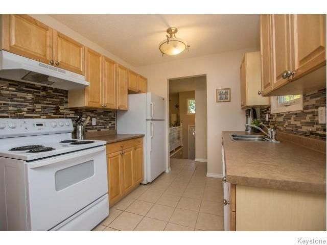 Photo 6: Photos: 9 Rillwillow Place in Winnipeg: Meadowood Residential for sale (2E)  : MLS®# 1623703