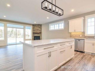 Photo 13: 10 2991 North Beach Dr in CAMPBELL RIVER: CR Campbell River North Row/Townhouse for sale (Campbell River)  : MLS®# 723883