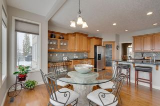 Photo 13: 52 Springbluff Lane SW in Calgary: Springbank Hill Detached for sale : MLS®# A1043718
