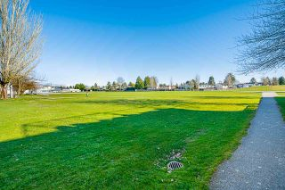 """Photo 29: 4 10611 GILBERT Road in Richmond: Woodwards Townhouse for sale in """"Preston"""" : MLS®# R2591228"""