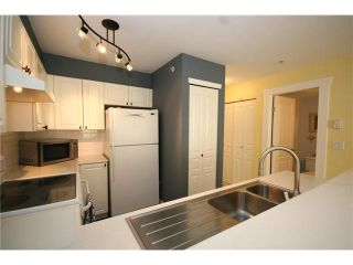 """Photo 3: 303 1363 56TH Street in Tsawwassen: Cliff Drive Condo for sale in """"WINDSOR WOODS"""" : MLS®# V922513"""