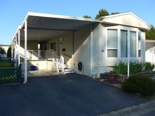 """Photo 1: 29 2120 KING GEORGE Boulevard in Surrey: King George Corridor Manufactured Home for sale in """"Five Oaks Park"""" (South Surrey White Rock)  : MLS®# R2485760"""